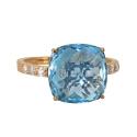 Золото кольцо  голубой топаз с фианитами Ювелирная компания МАБЭ
