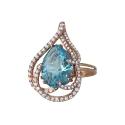 Золото кольцо  голубой топаз, фианиты  Ювелирная компания МАБЭ