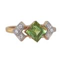 Кольцо  золото, хризолит, фианиты.  Ювелирная компания