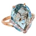 Золото кольцо голубой топаз и фианиты.  Ювелирная компания МАБЭ