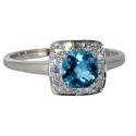 Белое золото кольцо голубой топаз и бриллианты  ювелирная компания МАБЭ